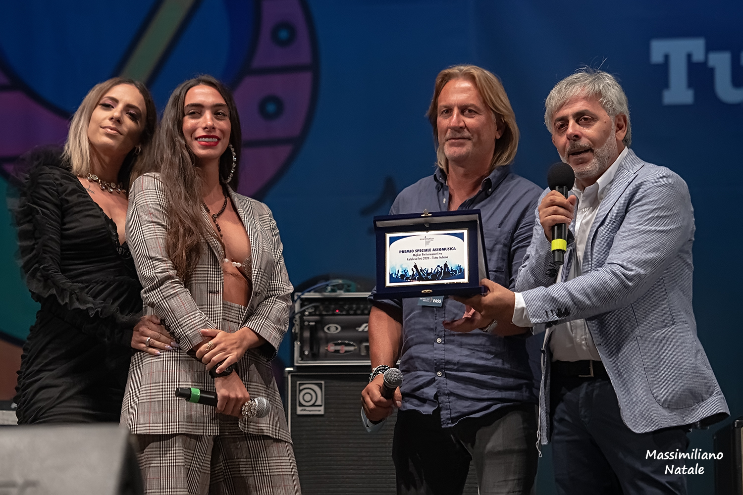 Click to enlarge image 22 - Premio Assomusica a Ellynora.jpg